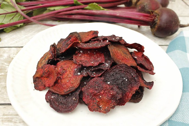 oven-baked-beet-chips-white