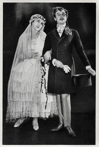 Henny Porten and Ralph Arthur Roberts in Meine Tante, deine Tante (1927)