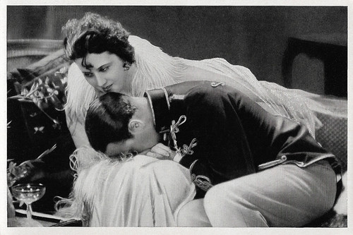 Lil Dagover and Willy Fritsch in Ungarische Rhapsodie (1928)