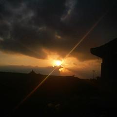 Sang Timur #sunrise #morningsky #pemandangandepankosttiapjamsetengahtujuhpagi