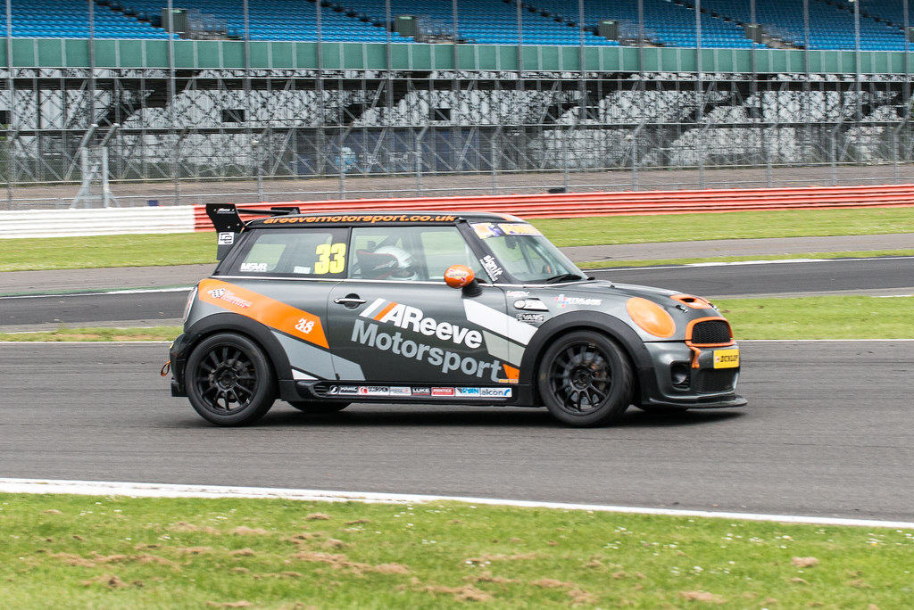 Silverstone MINI CHALLENGE Coopers & Open Class 2017 | Excelr8 ...