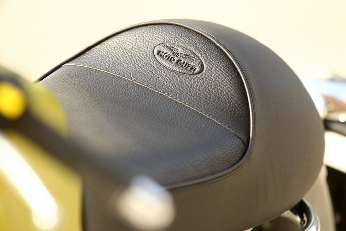 Moto-Guzzi V7 750 Cafe Classic 2010 - 9