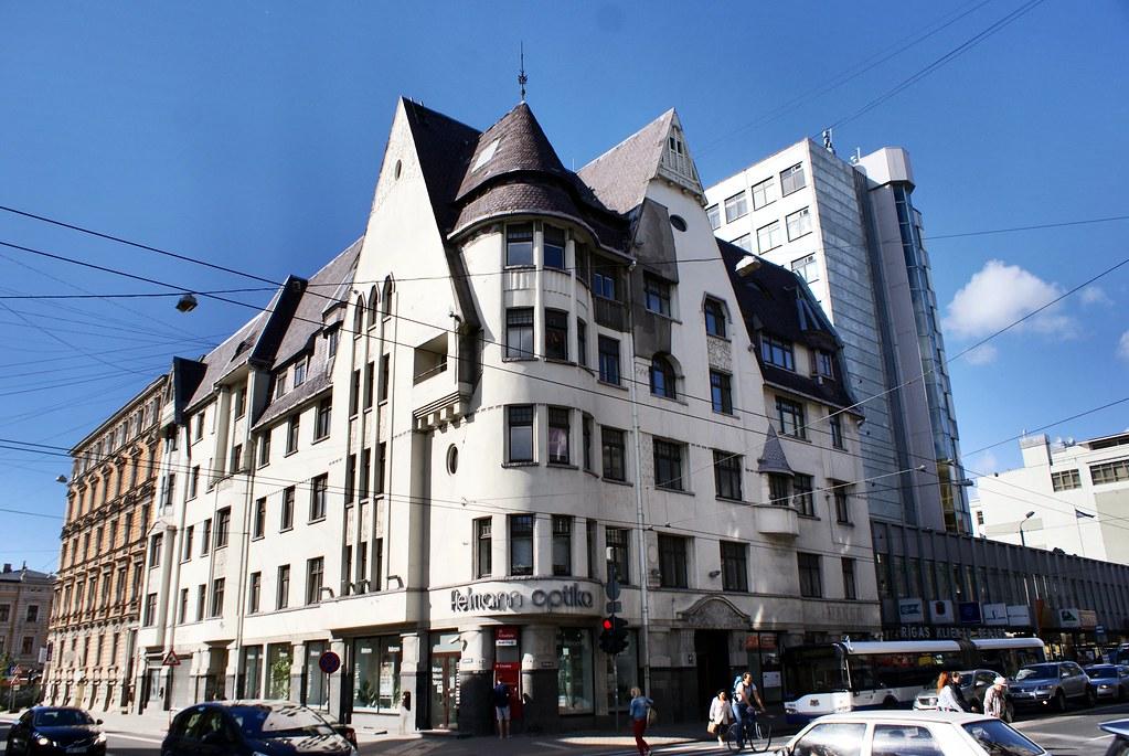 Exemple de construction Art Nouveau dans le style romantique-national à Riga.