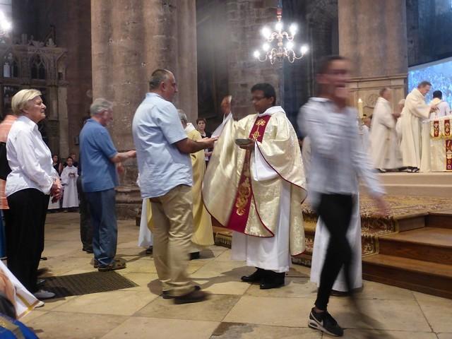 2017 06 25 Ordination presbyérale Manoj Visuvasam, cathédrale de Rodez (247)