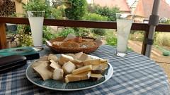Vom Wandern kommen. Kleines Käsefrühstück einwerfen. Störche glotzen. #VisitAlsace - Photo of Ringeldorf