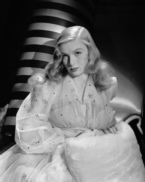 Sullivan's Travels - Promo Photo - Veronica Lake
