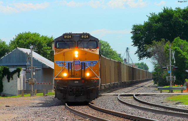UP 8124 at Wamego, Canon EOS REBEL T3, Canon EF 75-300mm f/4-5.6