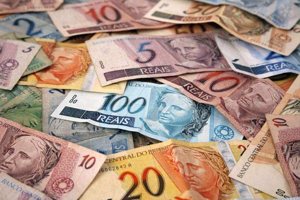 Câmara dos Deputados discute fim do dinheiro em espécie no país, dinheiro