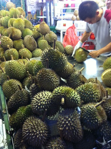 durian_cutting