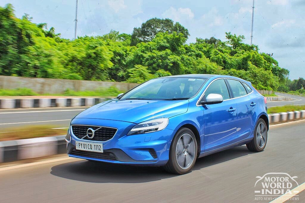 2017-Volvo-V40-R-Design-Tracking-Shots