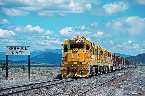 spragueriver oregon usa oregoncaliforniaeastern klamathcounty ocerailway oce trains railroads morrisonknudsen logging logtrain loggingrailroad te704s