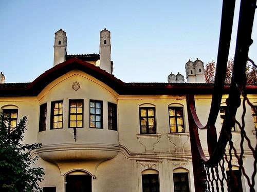 windows building architecture old 19thcentury residenceofprincessljubica konakkneginjeljubice monumentofculture belgrade beograd serbia srbija southeasterneurope