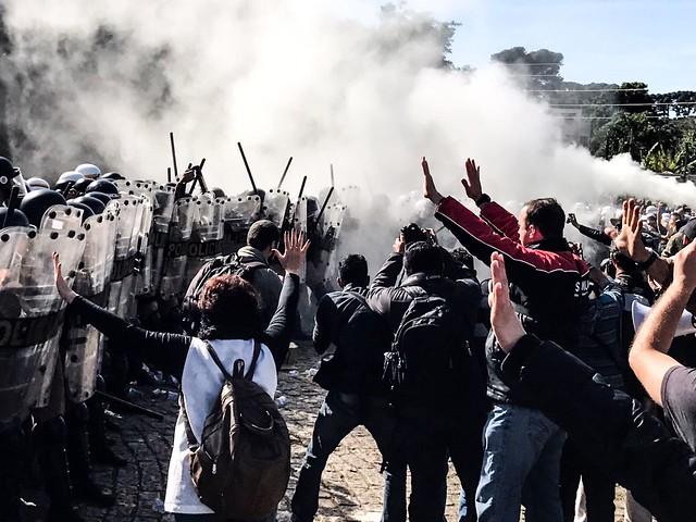 Pela segunda vez em uma semana, trabalhadores que protestavam contra as medidas do prefeito foram agredidos  - Créditos: Gibran Mendes