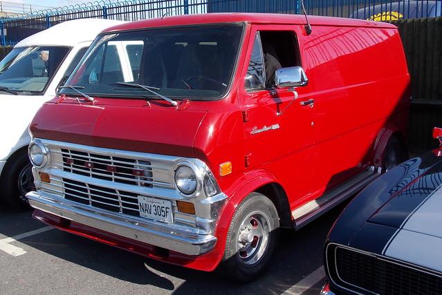 1968 Ford Econoline 200 van