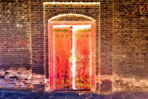 China - Kashgar - Old Door - 104bb