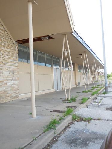 Mostly abandoned shopping center, Tulsa OK