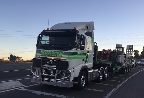 VOLVO, Hogans Heavy Haulage at New England & Golden Highways intersection at Belford, NSW. Truck lovers paradise. HHH 720
