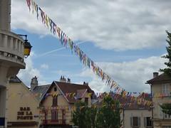Rue du Bourg Voisin, Semur-en-Auxois - Librairie and Bar de la Poste - Photo of Genay