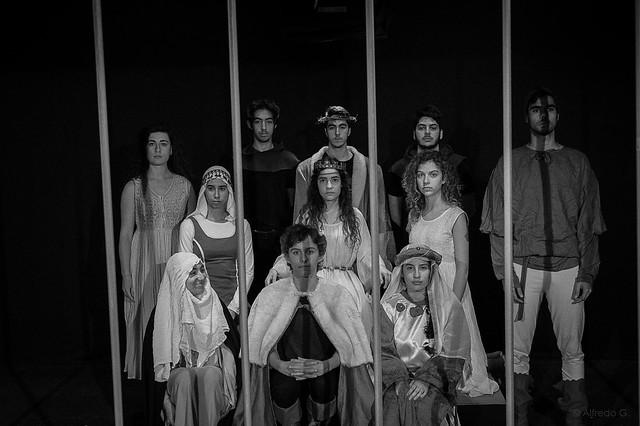 O Teatro da Caverna apresenta a peça