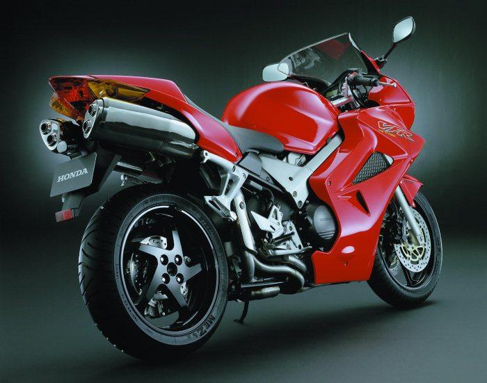 Honda VFR 800 V-TEC  RC 46 II 2003 - 4