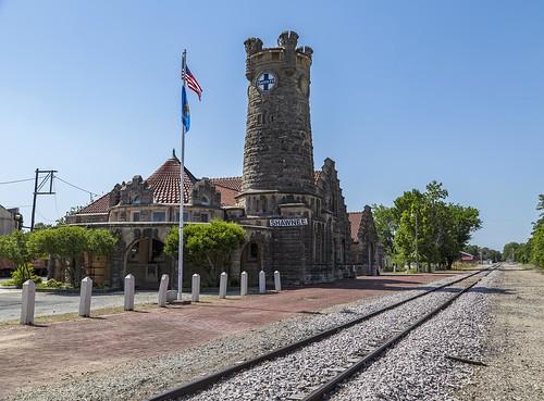 tracks station shawnee oklahoma architecture