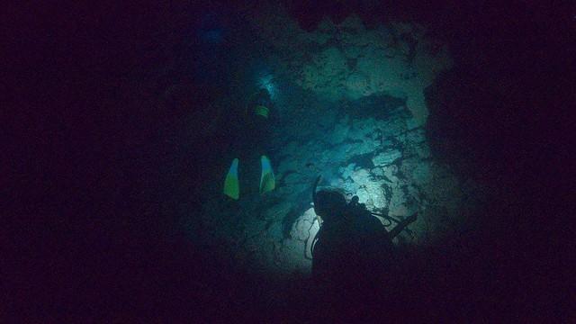 洞窟探検中♪
