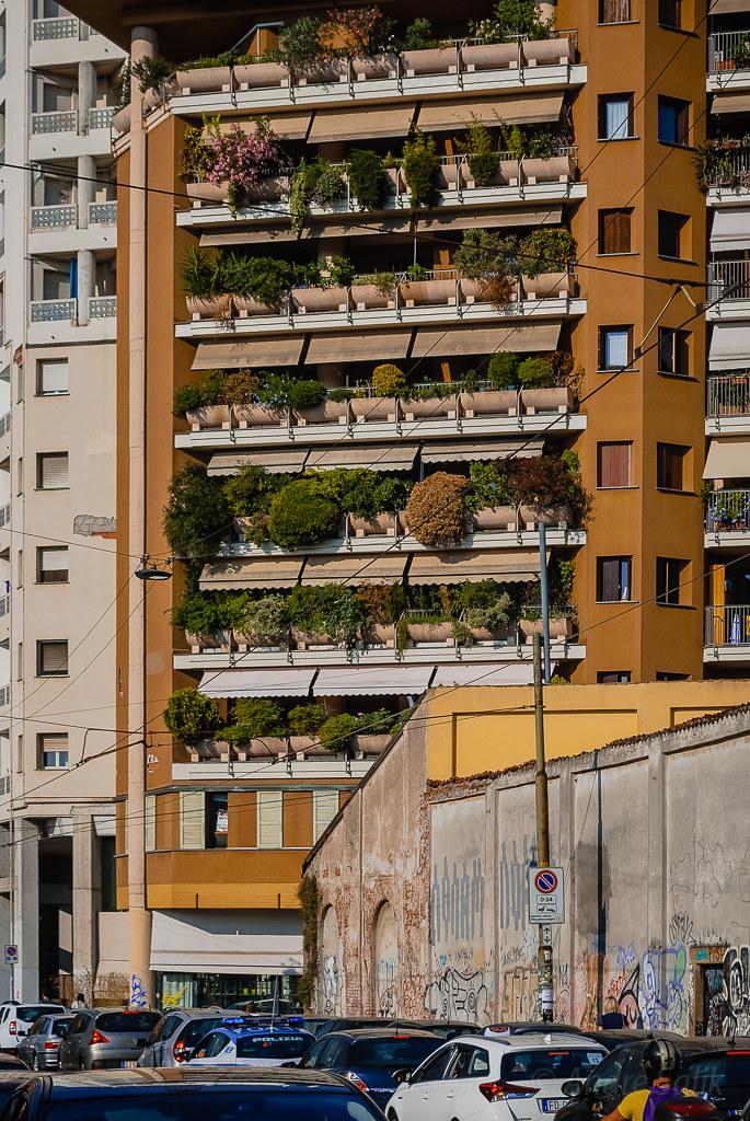 Great green building 19:26:46 DSC_7039