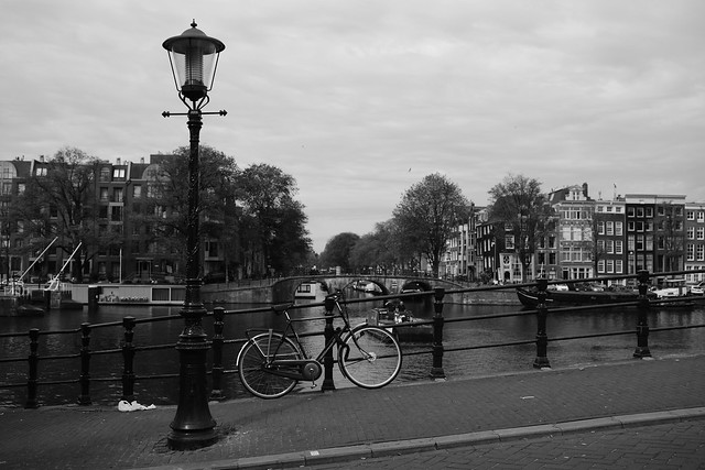 bike at water in Amsterdam 2