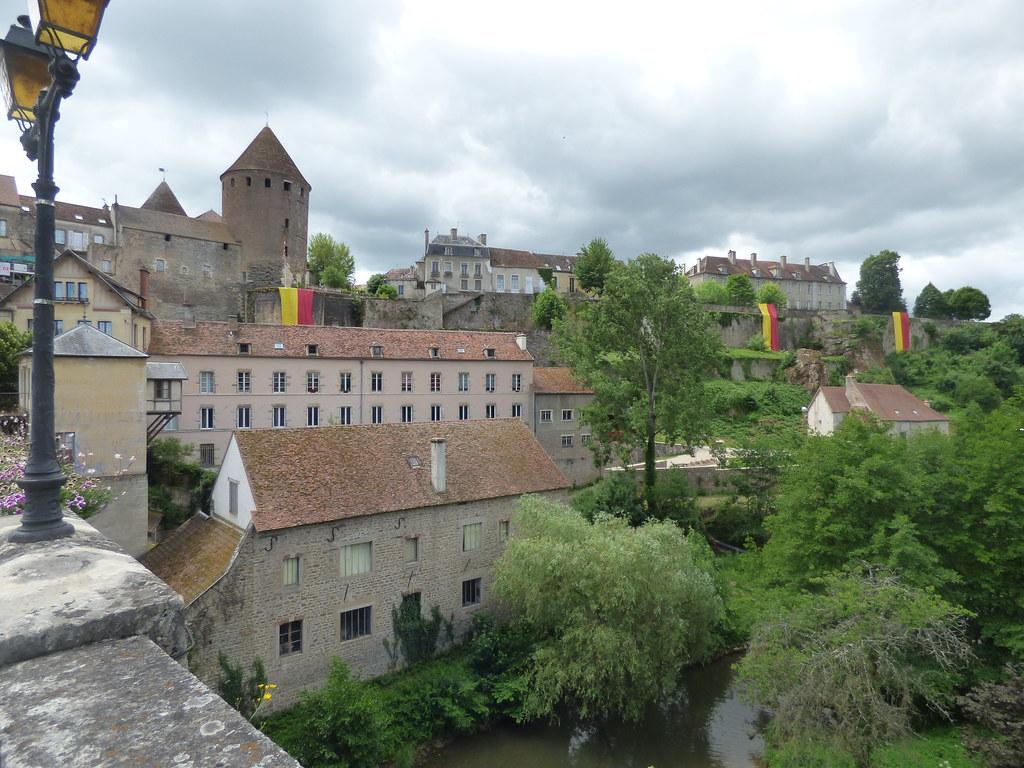 Hotels Semur En Auxois France