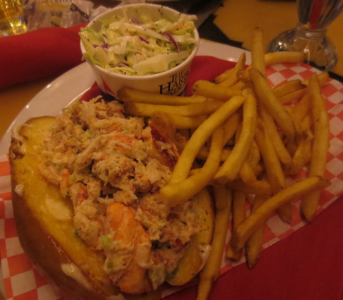 longboards_lobster_roll