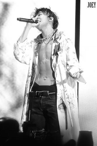 G-Dragon ACT III MOTTE in Seoul 2017-06-10 (9)