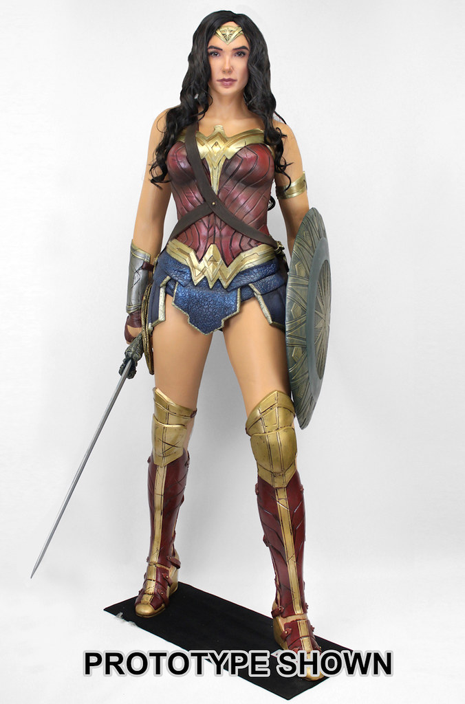 讓你家充滿愛與和平~~NECA【神力女超人】1:1 比例人偶作品登場!! Wonder Woman Life-Size Foam Figure