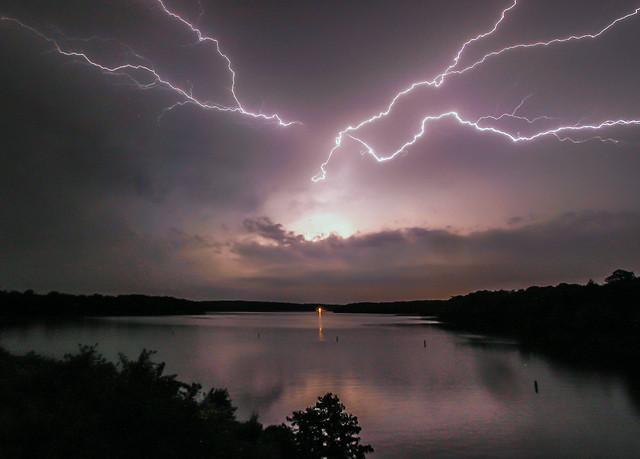 Lightning, Canon EOS REBEL T1I, Canon EF-S 10-22mm f/3.5-4.5 USM