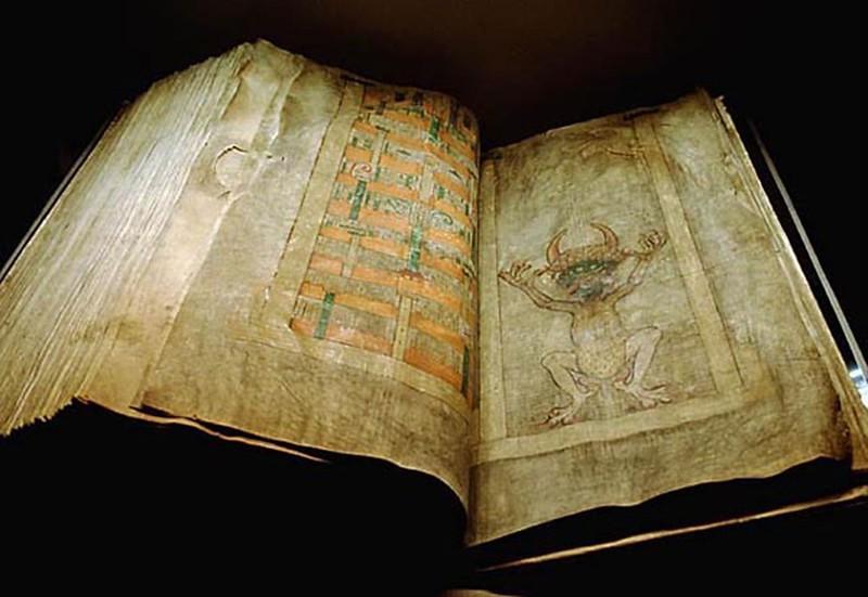 Kinh Thánh và Giáo lý của Giáo hội nói gì về sự có mặt của ma quỷ, kẻ thù của con người?