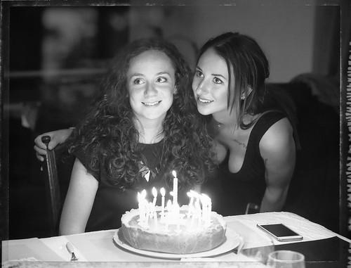 anniversaire de ma nièce Auré - avec sa sœur Alex