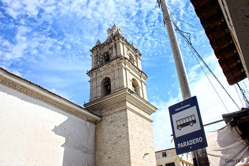 ayacucho departamentoayacucho huamanga iglesias iglesiasdelperú perú sudamérica campanarios ciudadescolonialesdeaméricalatina torres carteles