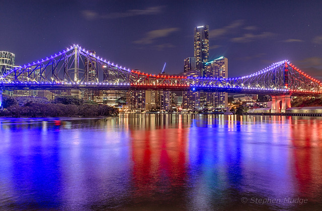 Story Bridge lit up for Italian Week