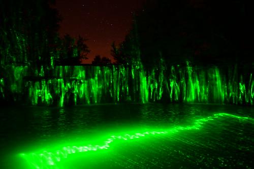 DAV_2137 Laser verde iluminando el Azud del Rio Guatizalema en Novales
