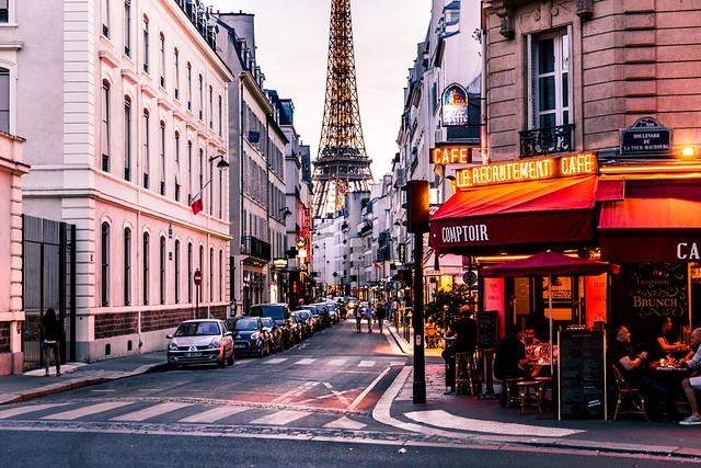 Rue Saint Dominique Paris, Canon EOS 6D, Canon EF 24-70mm f/2.8L II USM
