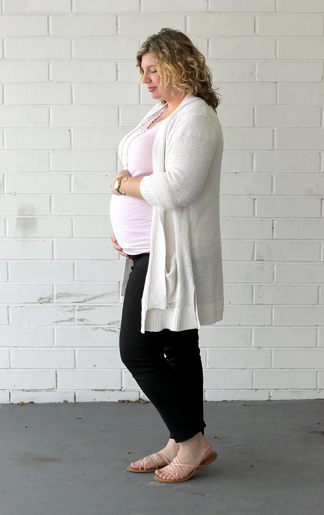 cream open weave cardigan, pink tee and maternity black pencil pants 3