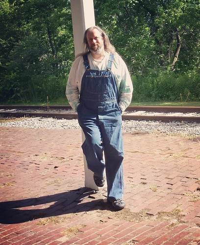 Old depot selfie (potential future author pic) #overalls #vintage #Lee #bluedenim #dungarees #denim #tiedye #ootd #longhairdontcare