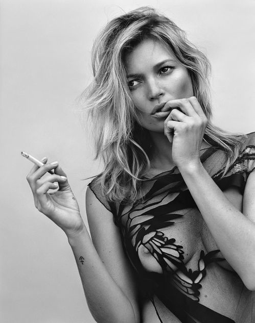 Kate Moss smoking 5