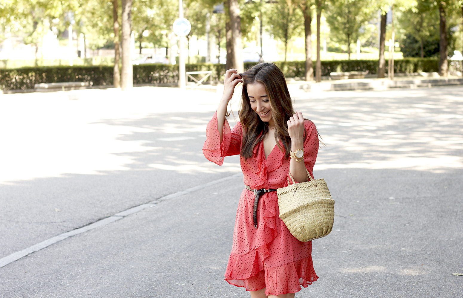 coral dress with dots and frills uterqüe black heels summer outfit style fashion12