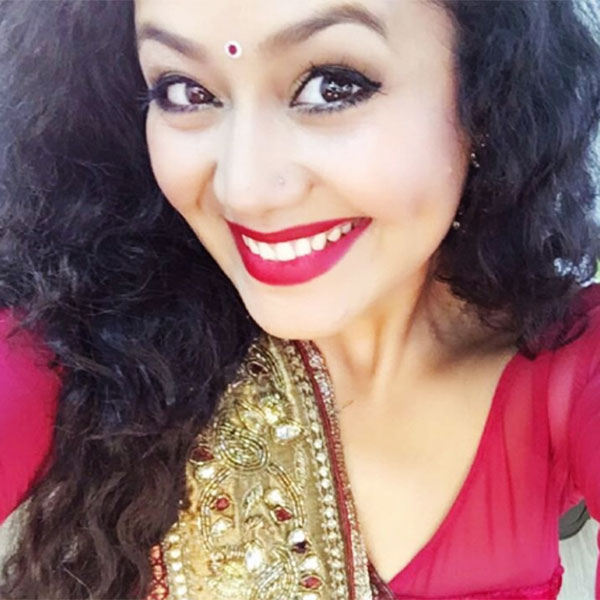 Neha Kakkar Thera Ghata Downlpad: Gorgeous Neha Kakkar Photos - Nayan's Web