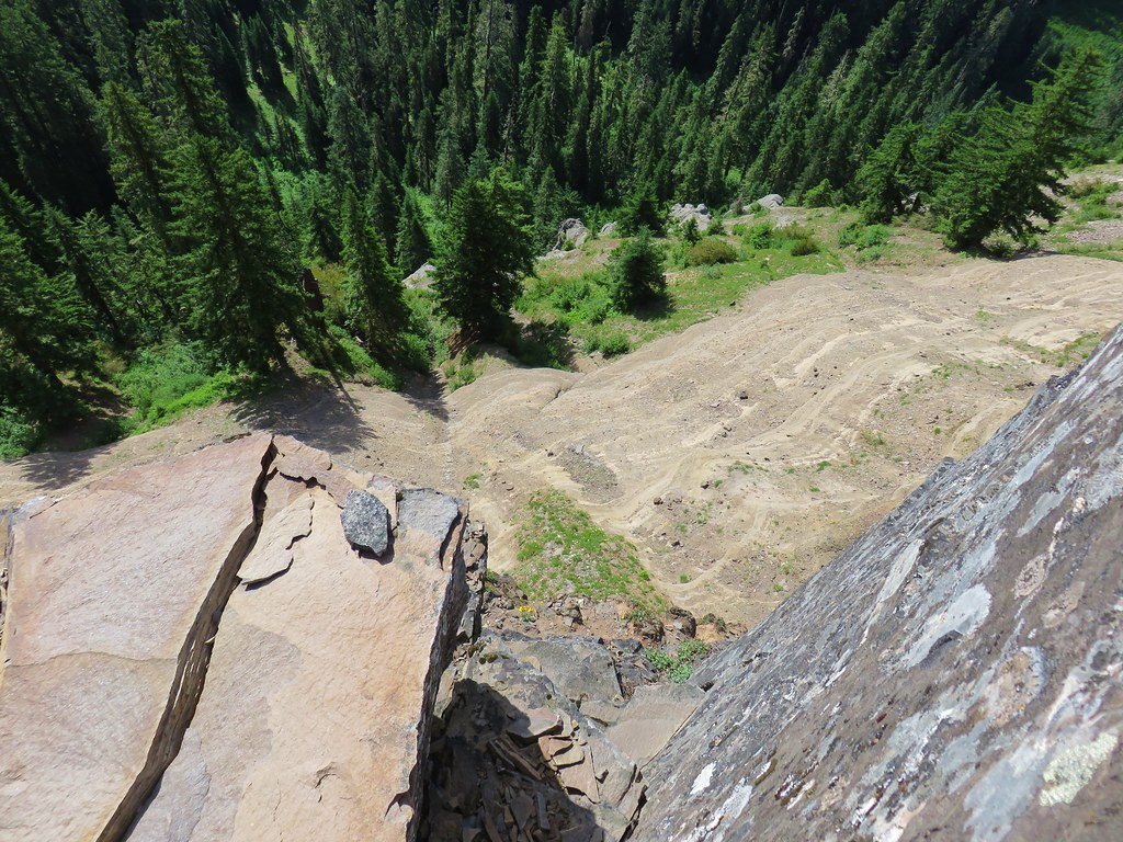 Looking down from cliffs along the Scar Mountain Trail