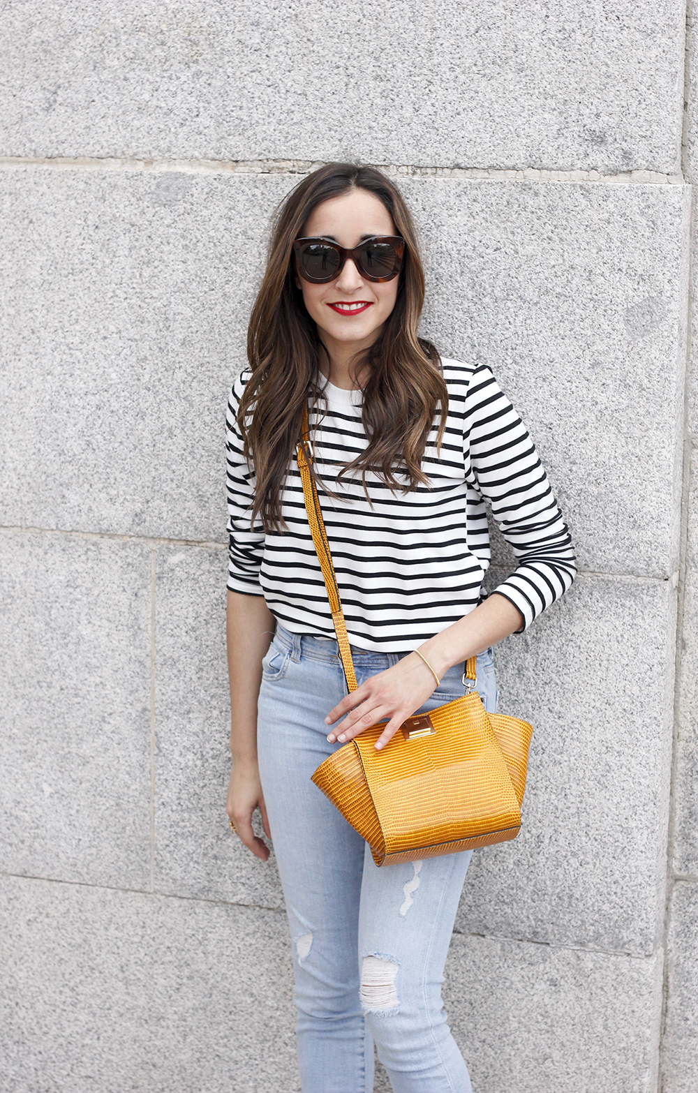 navy stripes denim jeans mustard bag uterqüe heels outfit fashion style07