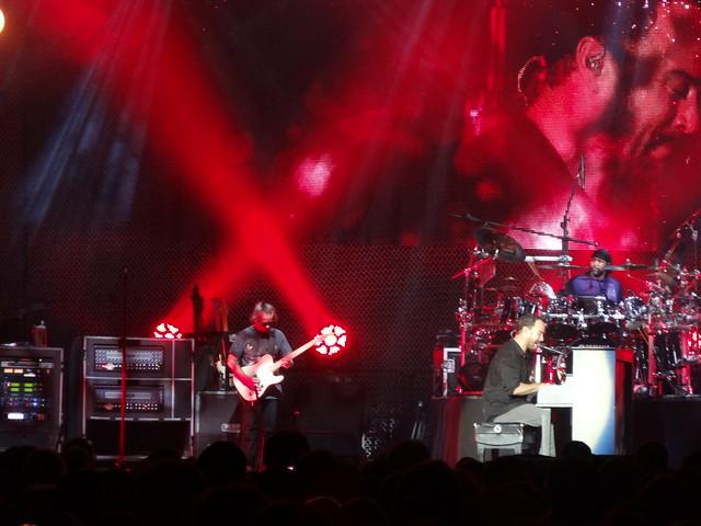 Dave Matthews Band, Sony DSC-HX20V