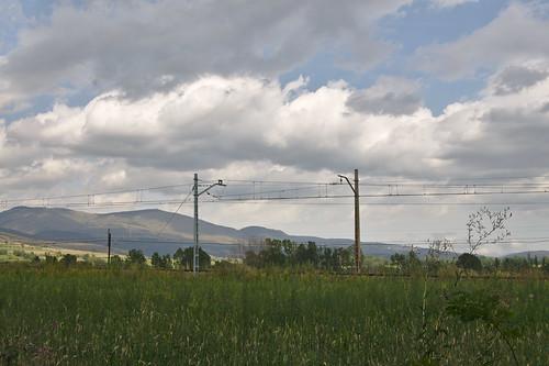 spoorwegen landschap wolkenlucht fietsvakantie spain berglandschap spoorlijn edited bovenleiding landscape