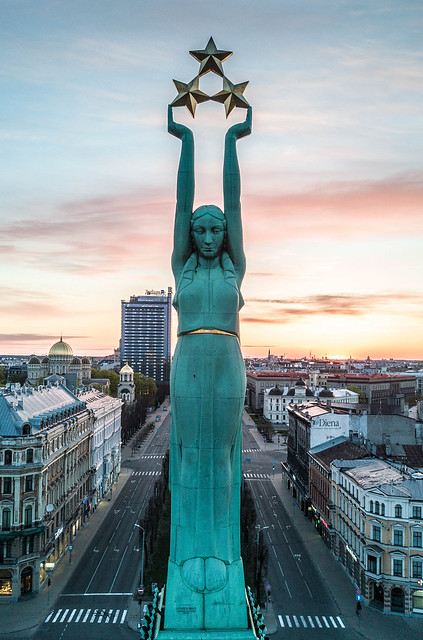 Brīvības piemineklis / Freedom monument