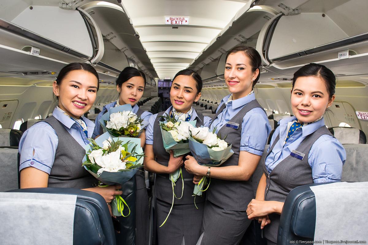 бортпроводницы Air Astana